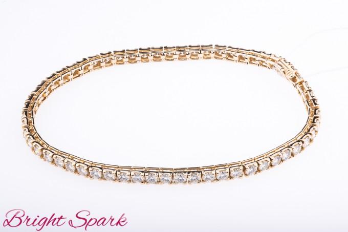 Золотой браслет с камнями на 6 карат