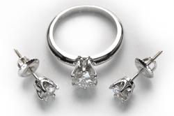 Кольцо и серьги Tiffany из белого золота