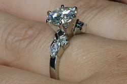 Кольцо Alice из палладия с муассанитом 2,2 карата и бриллиантами