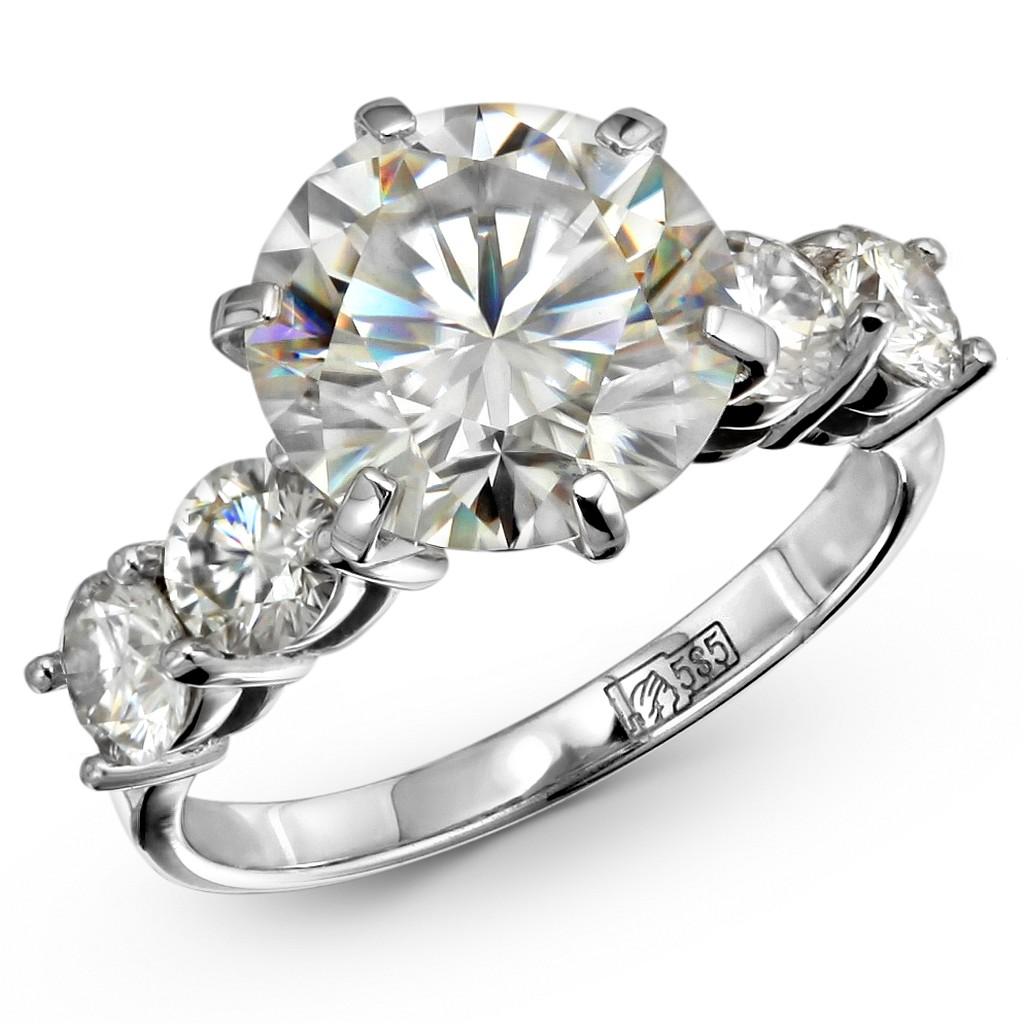 Помолвочное кольцо с муассанитом 4 карата