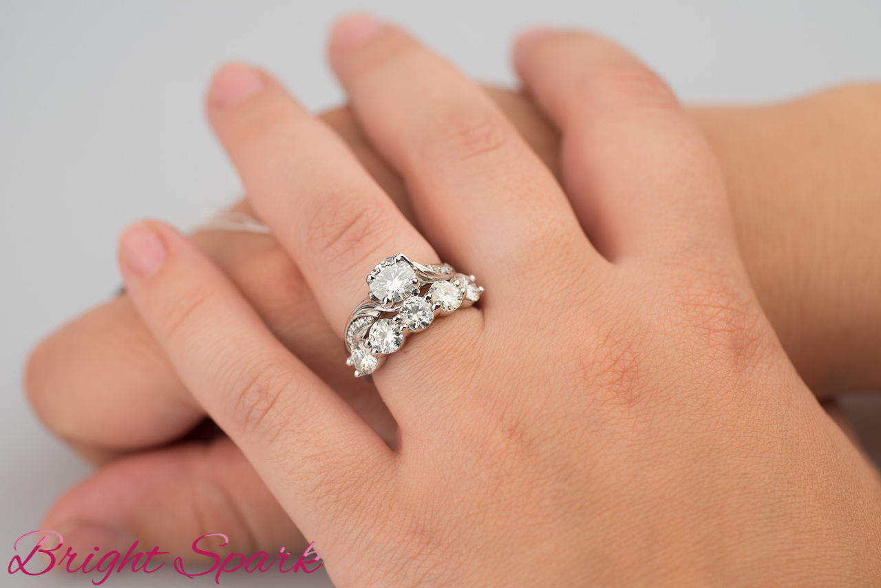 eb8eb3077057 Обручальное кольцо Jenna-5 от 0.5 карат – интернет-магазин Bright ...