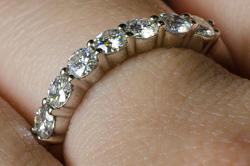 Обручальное кольцо из палладия 950 пробы с 7 муассанитами