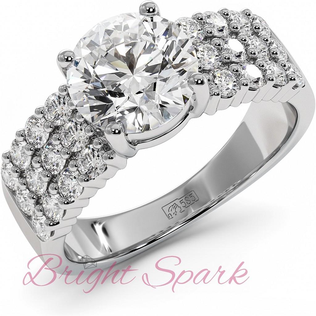Кольцо с крупным бриллиантом 2 карата усыпанное россыпью
