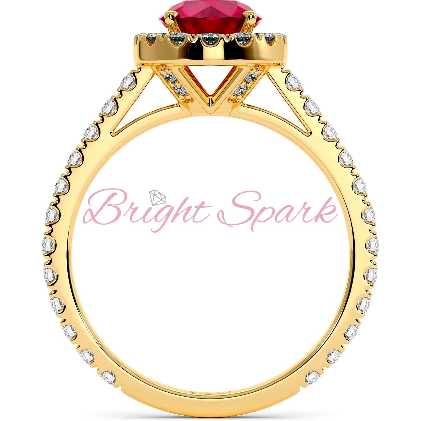 Золотое кольцо с рубином 1,2 карата, ореолом и дорожкой