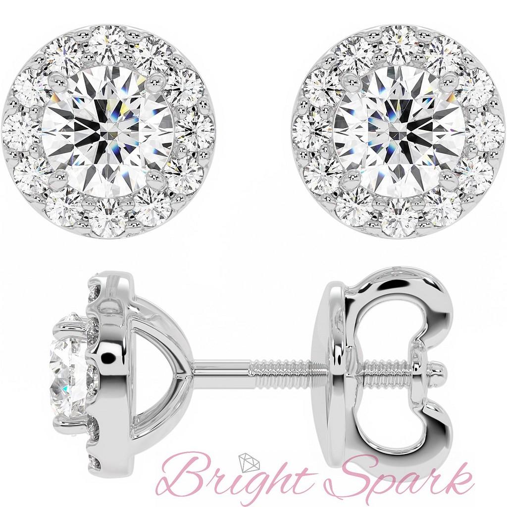 Пусеты с бриллиантом пол карата в обрамлении мелких бриллиантов