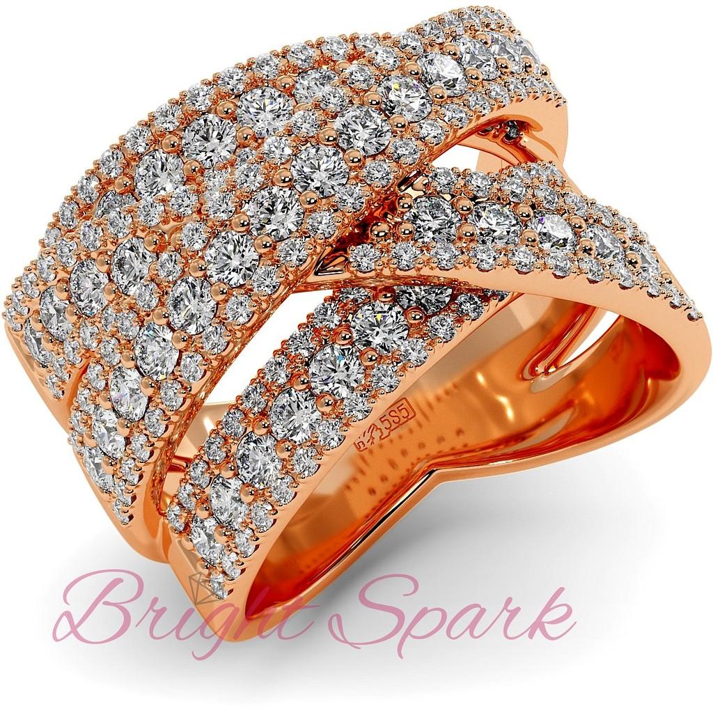 Вечернее кольцо с россыпью муассанитов из розового золота