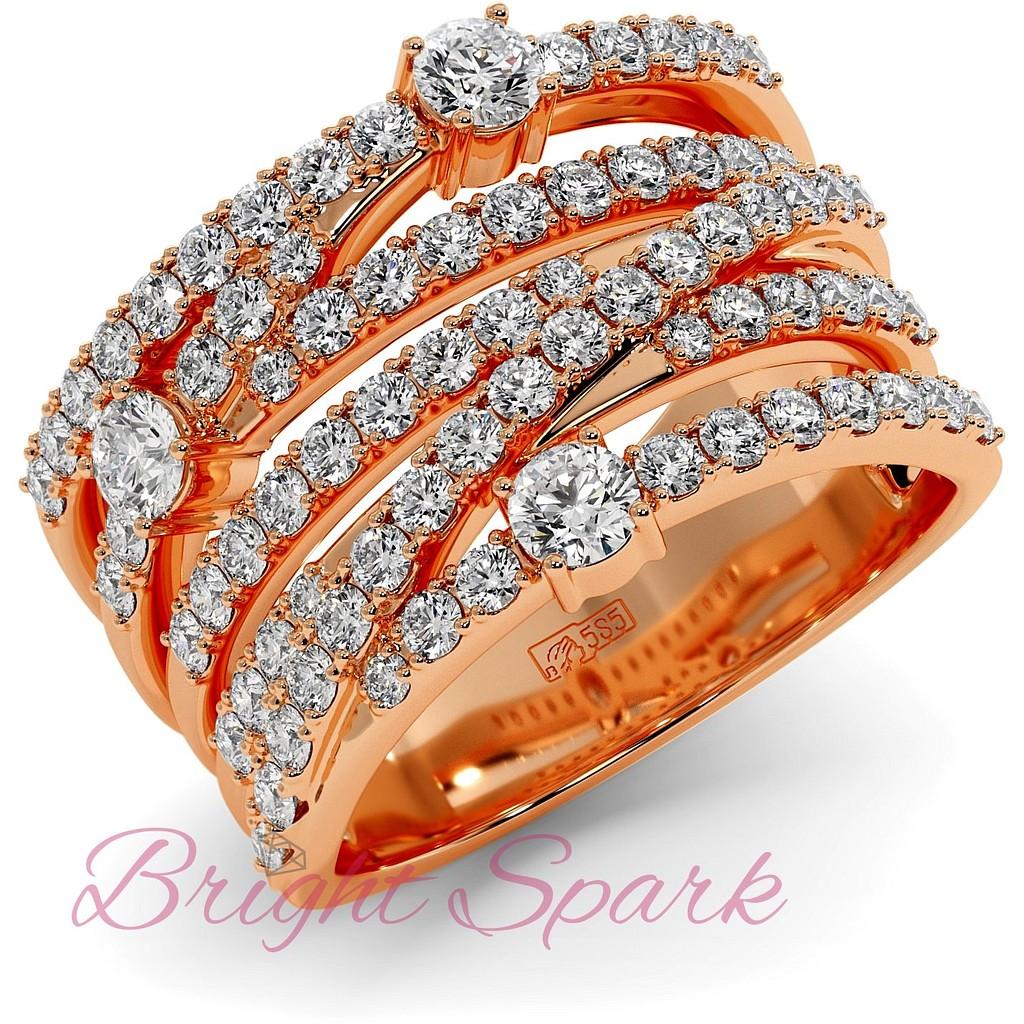 Вечернее кольцо с переплетением дорожек муассанитов из красного золота