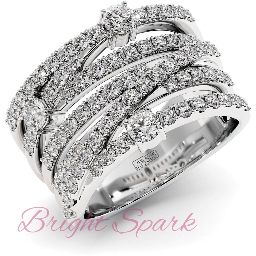 Вечернее кольцо с переплетением дорожек муассанитов из белого золота