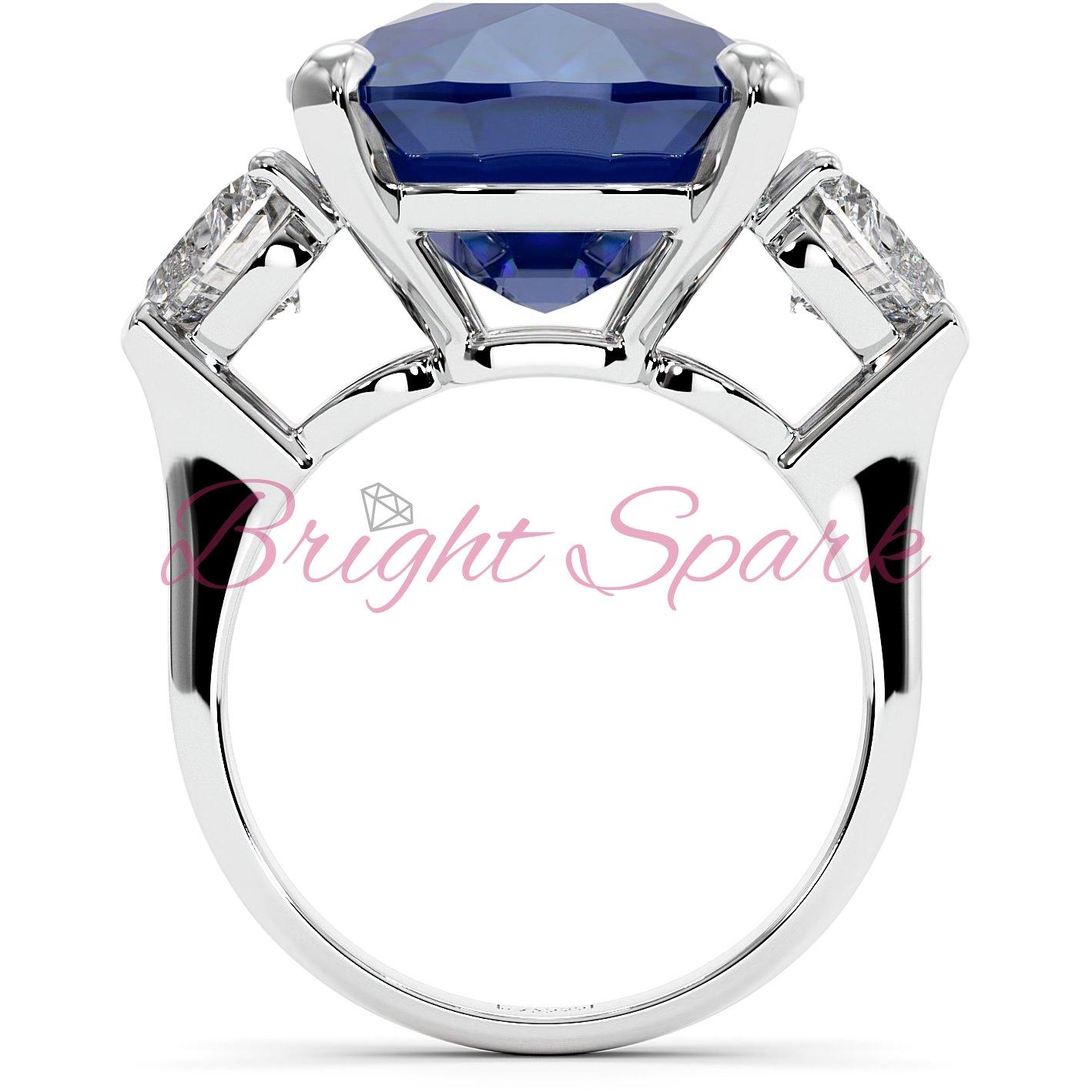 Золотое кольцо с синим сапфиром кушон и камнями сердце Whitney на 16,5 карат