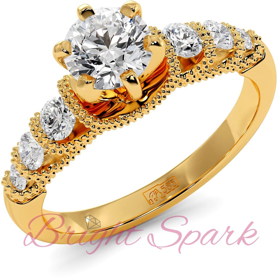 Помолвочное кольцо с филигранью и боковыми камнями из желтого золота