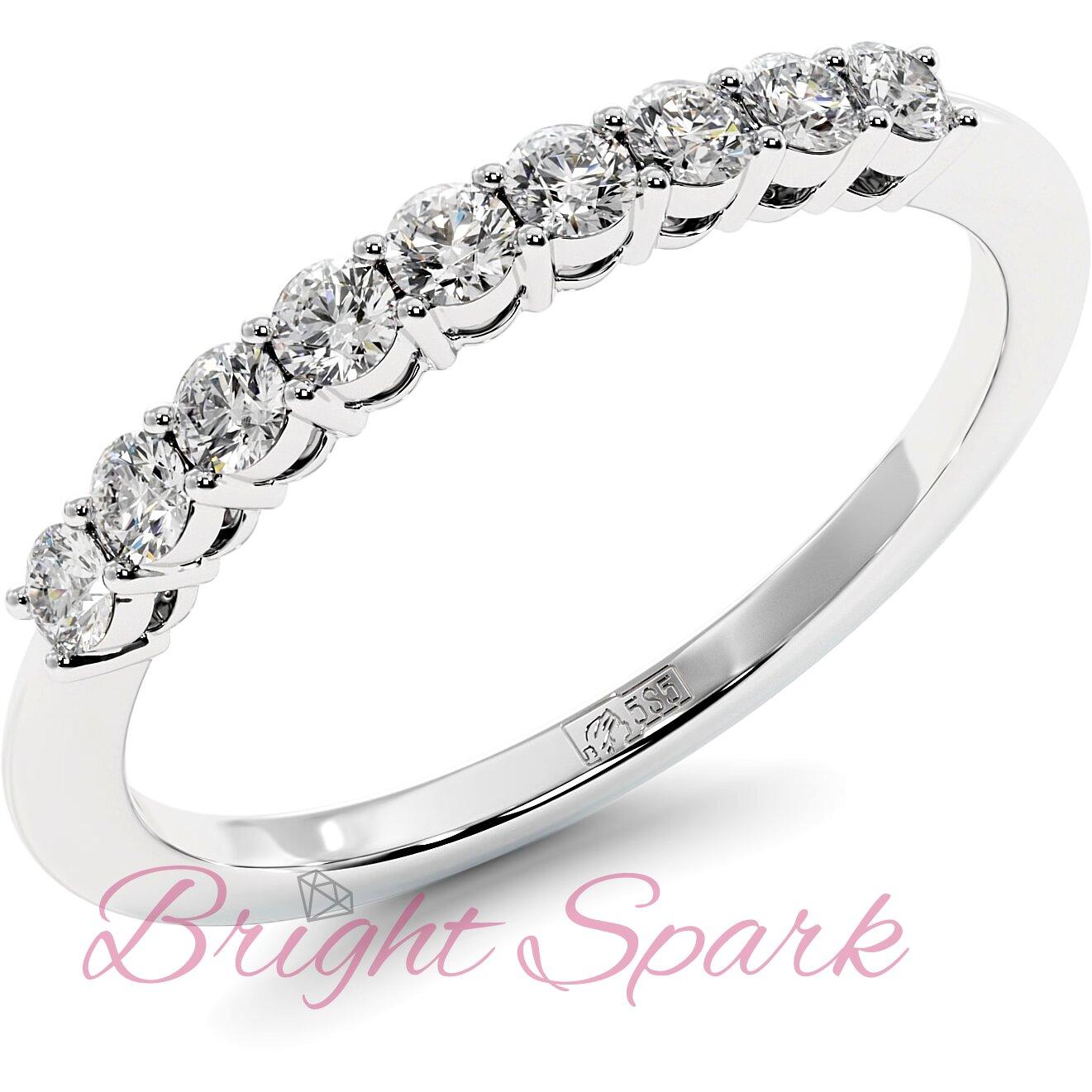 Обручальное кольцо белого золота с дорожкой из девяти камней Embrace на 0,3 карат
