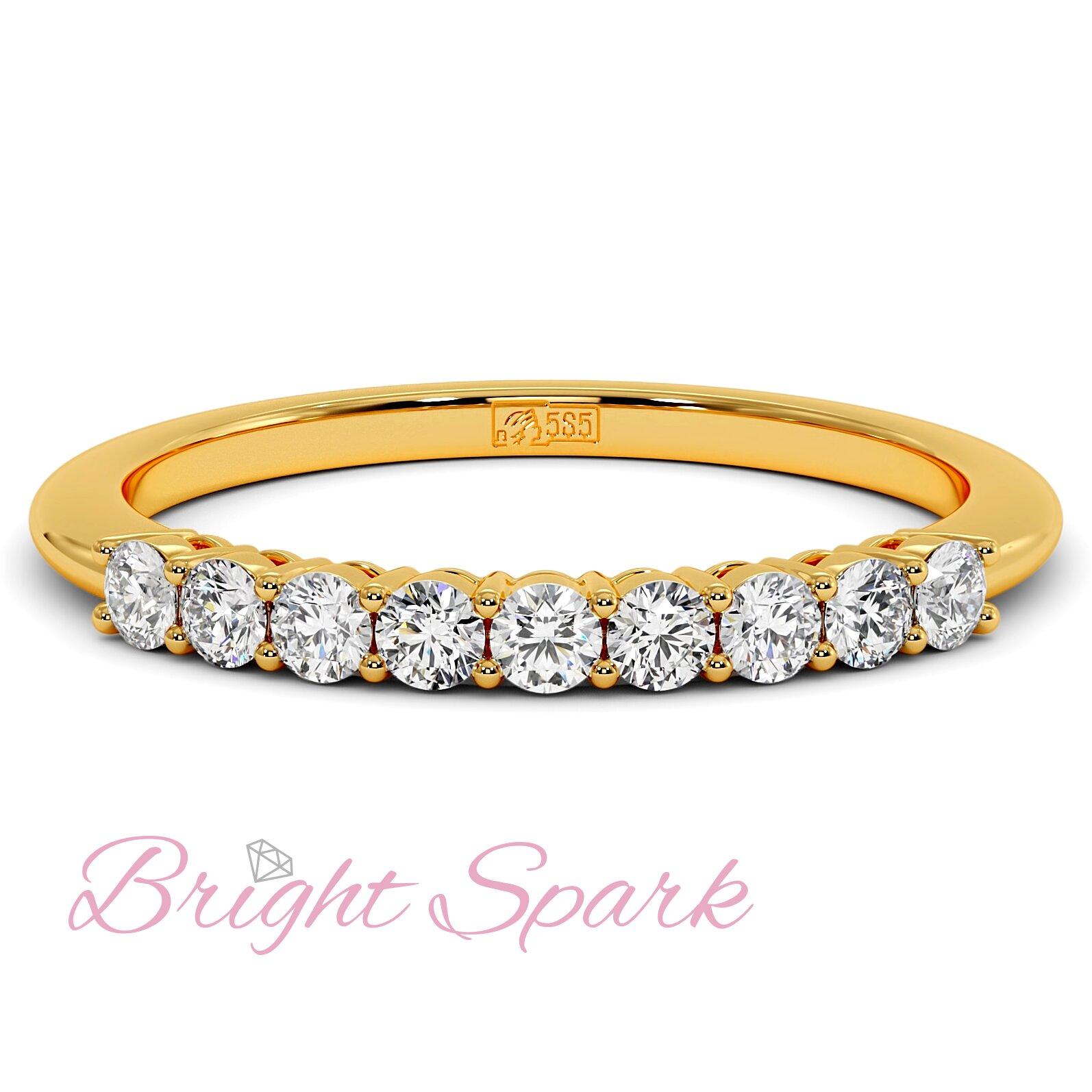 Кольцо желтого золота с дорожкой из девяти камней Embrace на 0,3 карат