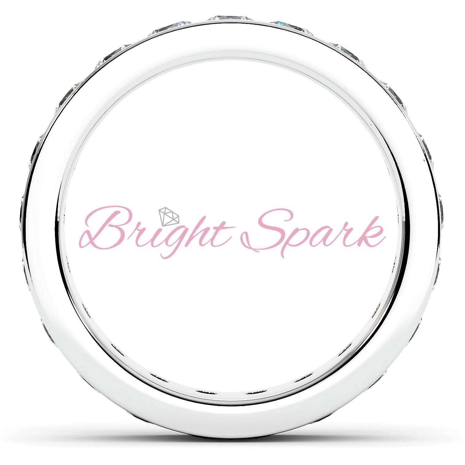 Обручальное кольцо белого золота с дорожкой 3 мм Eternity  1,9 карата