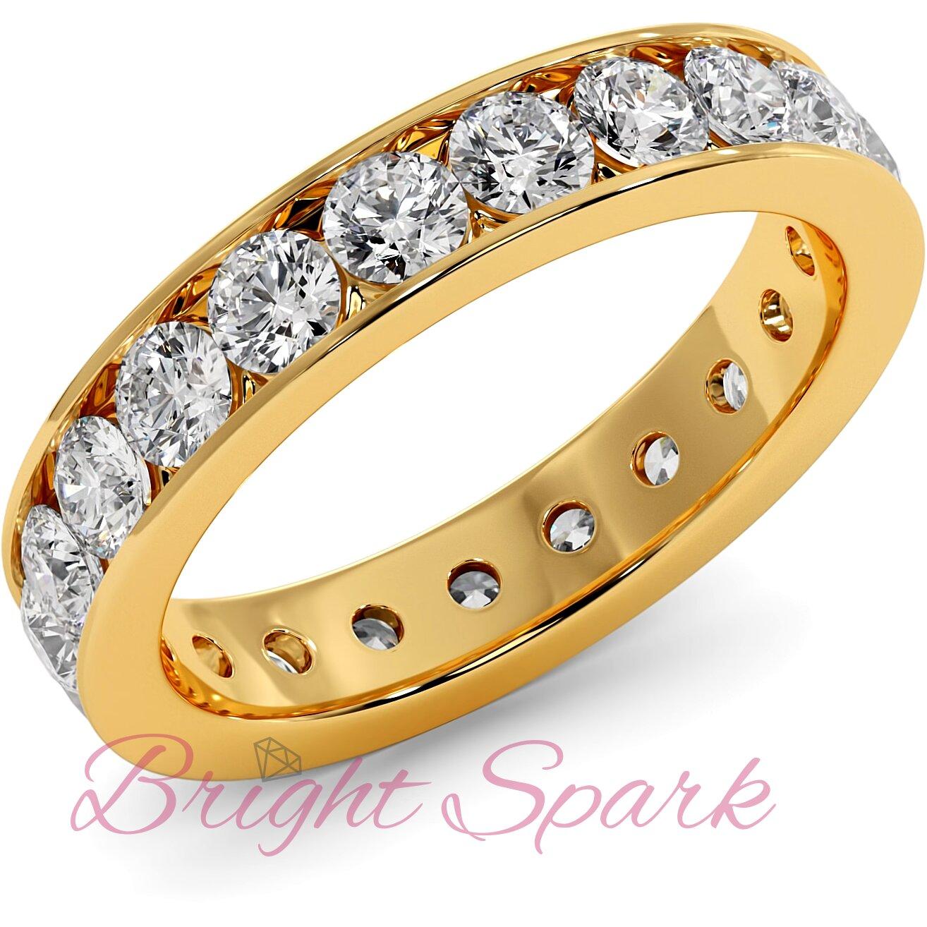 Обручальное кольцо желтого золота с дорожкой по кругу 3 мм Eternity  1,9 карата