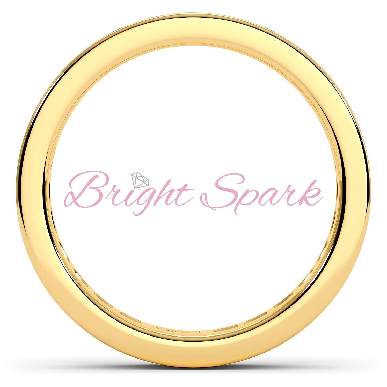 Обручальное кольцо желтого золота с дорожкой Helen на 0,8 карата