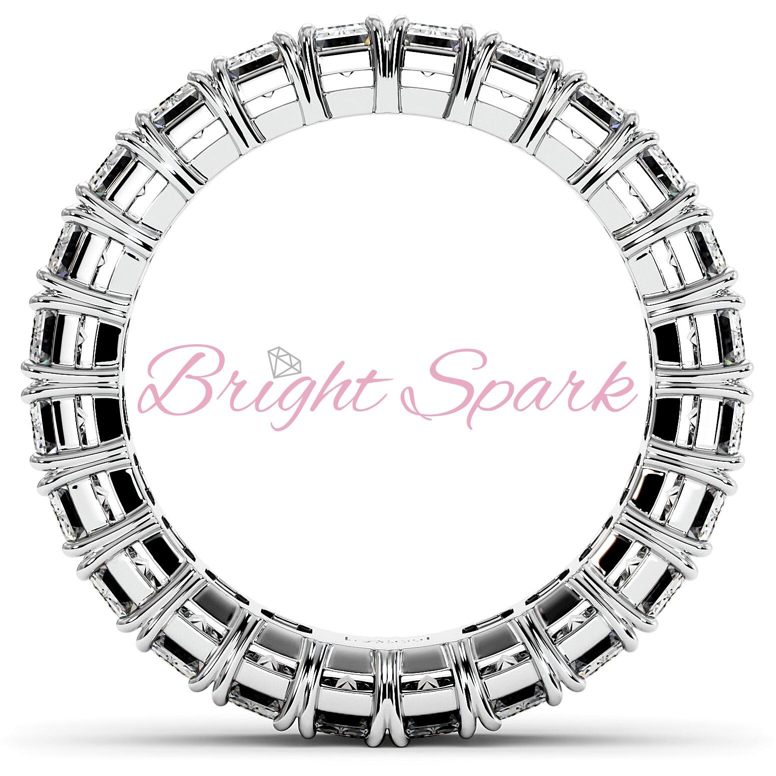 Кольцо с бриллиантами изумрудной огранки белое золото 3,6 карата