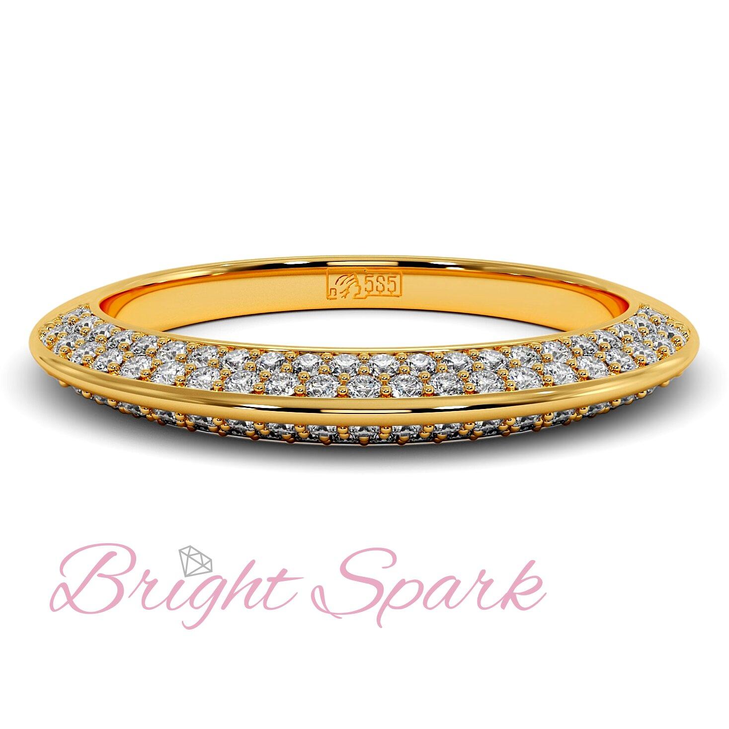 Обручальное кольцо  желтого золота усыпанное муассанитами Melanie 0,5 карата