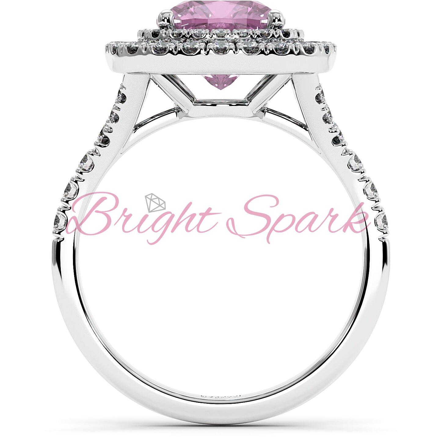 Золотое кольцо с розовым сапфиром кушон в ореоле с дорожкой Soul на 2,9 карата