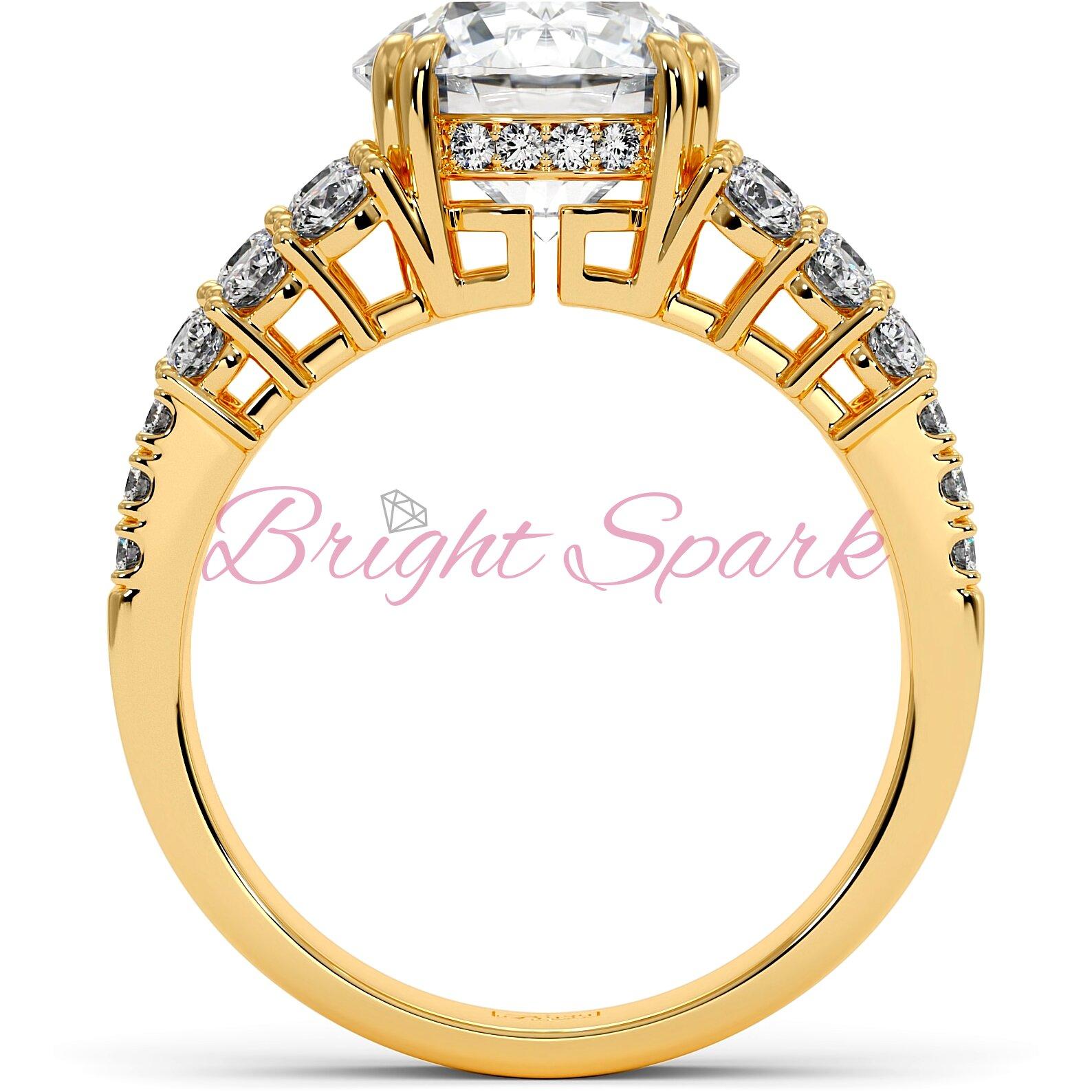 Помолвочное кольцо желтого золота с тремя дорожками Stella на 3,6 карата
