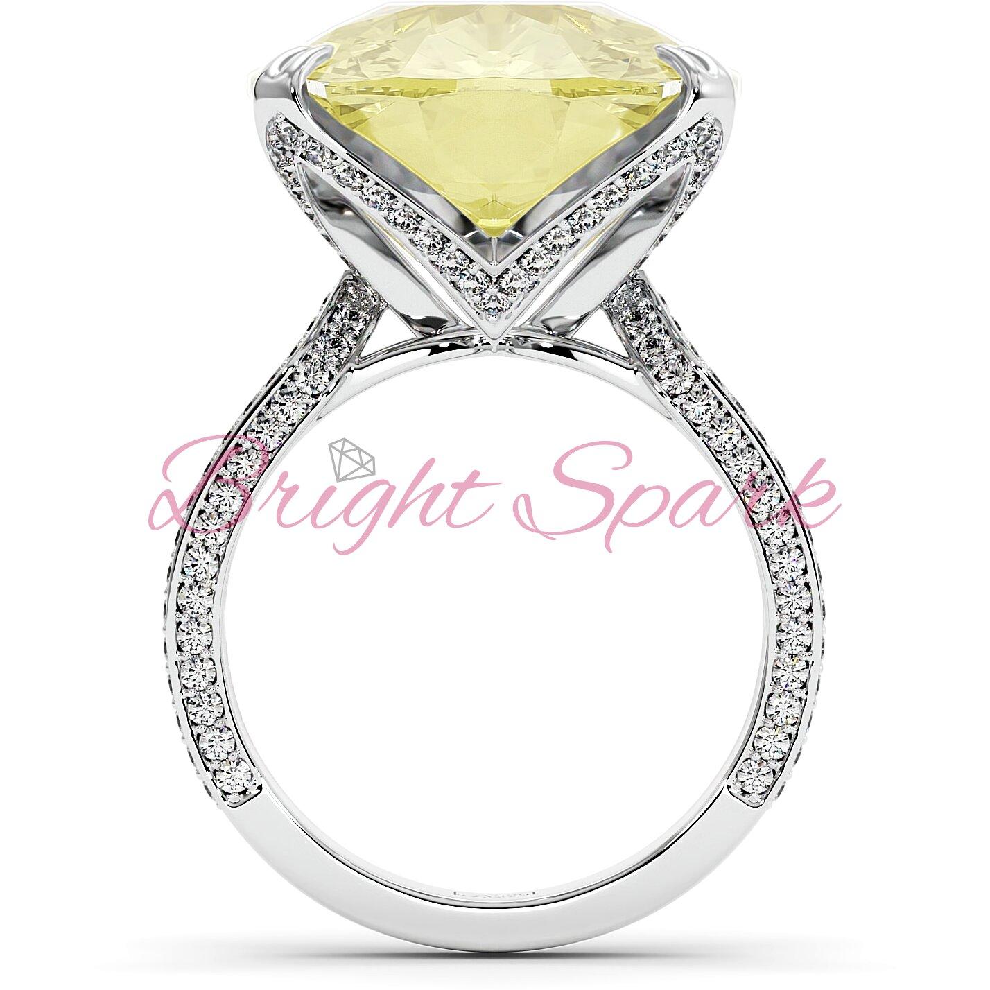 Золотое кольцо с желтым муассанитом кушон и дорожками Stephanie 17,9  карата