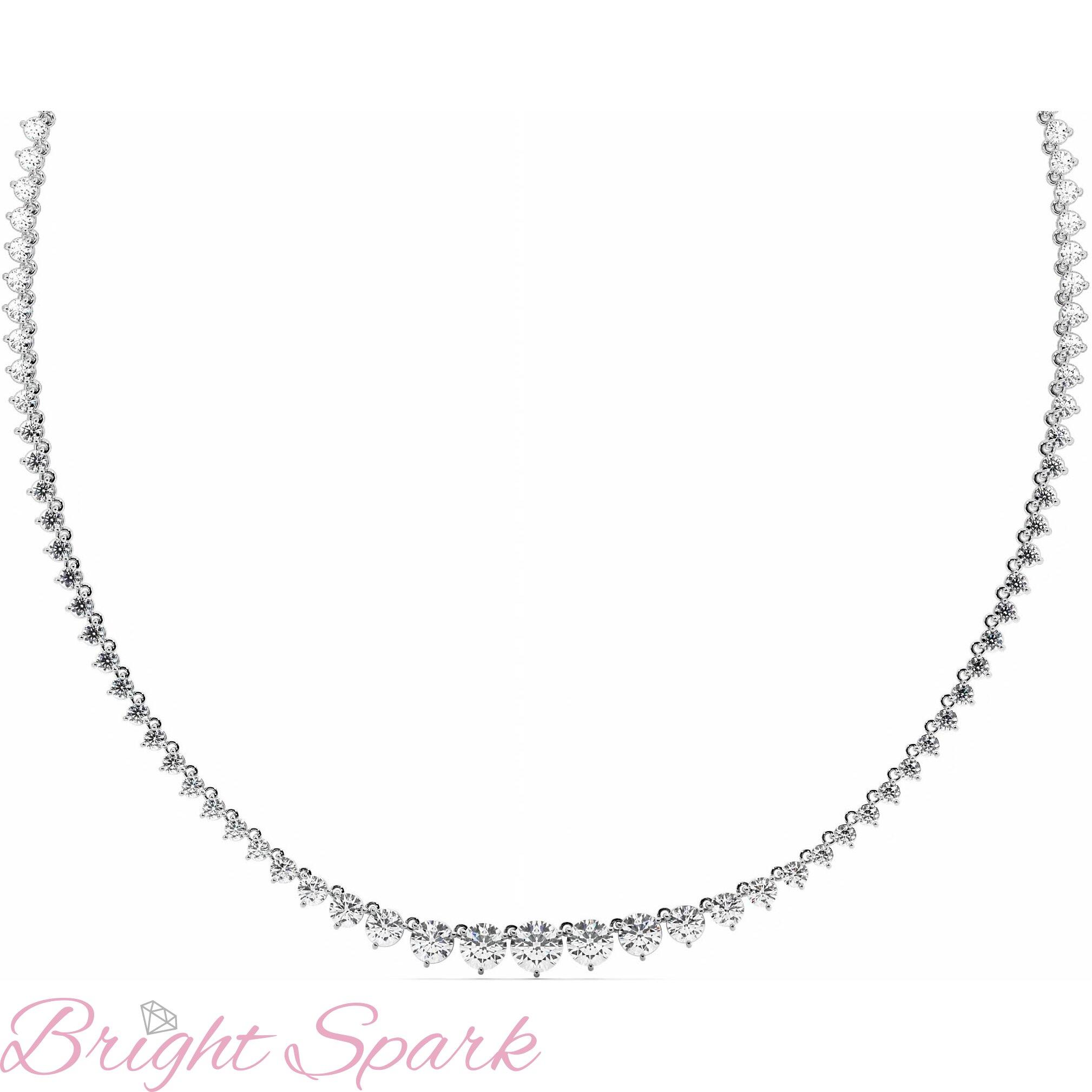 Ожерелье  белого золота с муассанитами Lace 18,8 карата